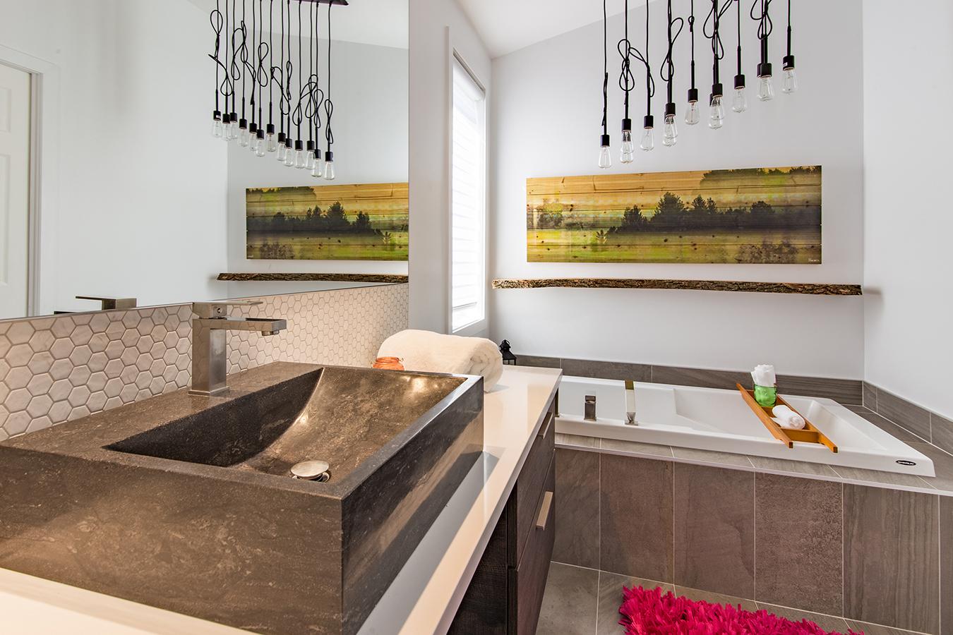 Interieur maison kylie jenner maison moderne for Salle de bain kylie jenner